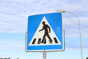 This was a very common sign found in Norway, which signified a Gene Kelly crossing.